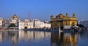 Akal_Takht_and_Harmandir_Sahib,_Amritsar,_Punjab,_India